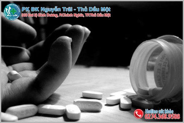 Người bệnh không được tự ý sử dụng thuốc khi chưa đi thăm khám